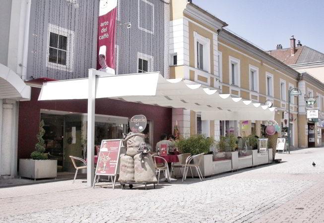 ombrellone pergola dehors centro storico caffe bar