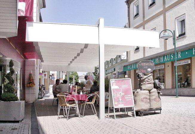 ombrellone pergola dehors centro storico caffe senza permessi comunali