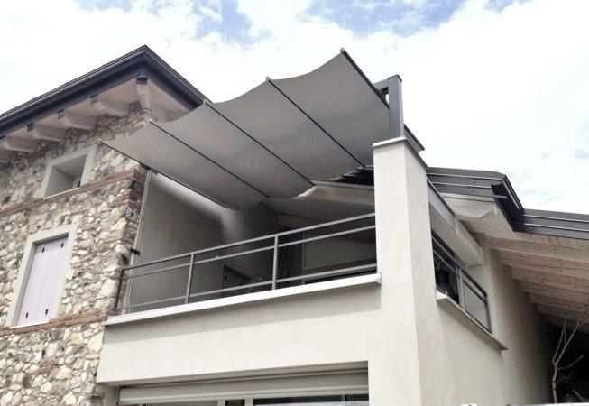 ombrellone scorrevole per terrazza aperto